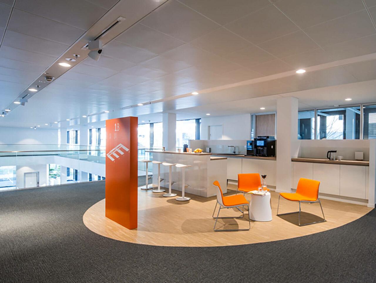 Brenntag House of Elements Essen Bürogebäude Innenarchitektur Essbereich