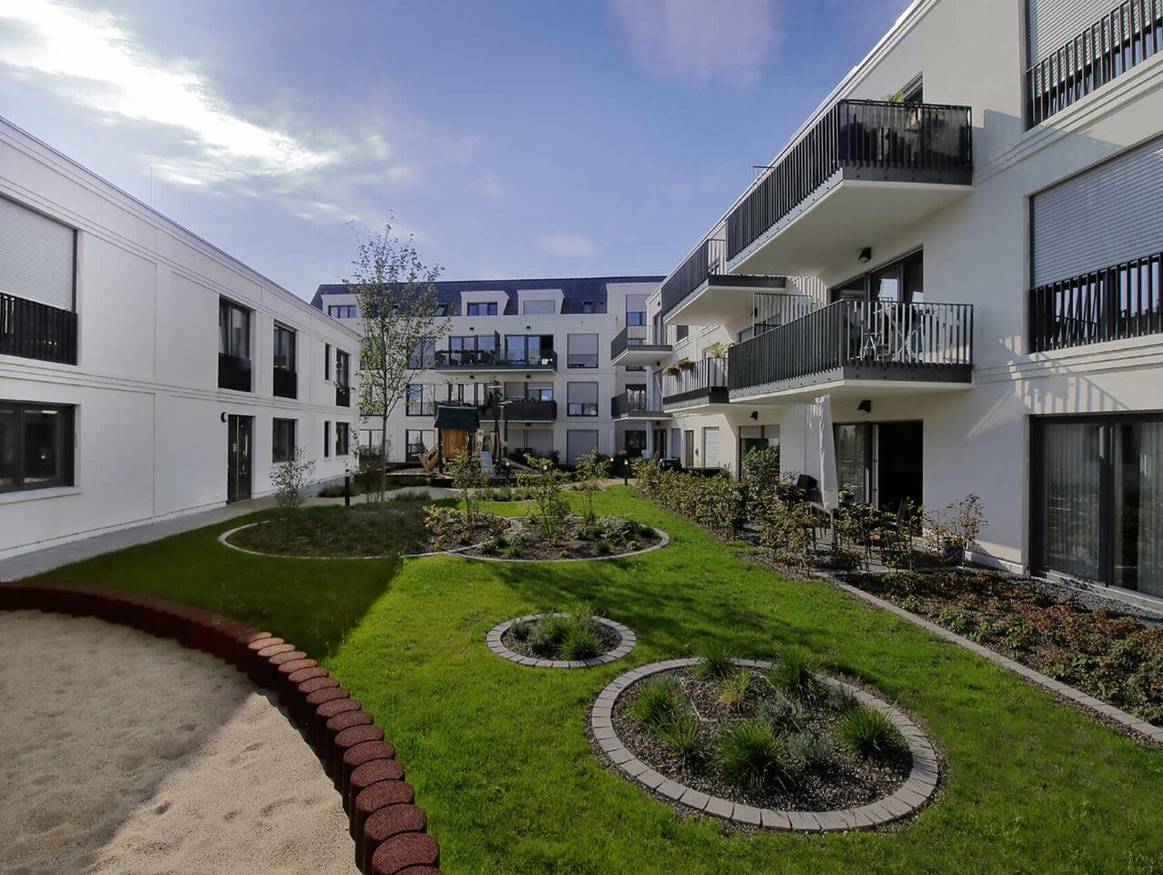 Villa für Viele Essen Bredeney Wohn- und Geschäftshaus zeitlos Aussenperspektive Visualisierung Innenhof