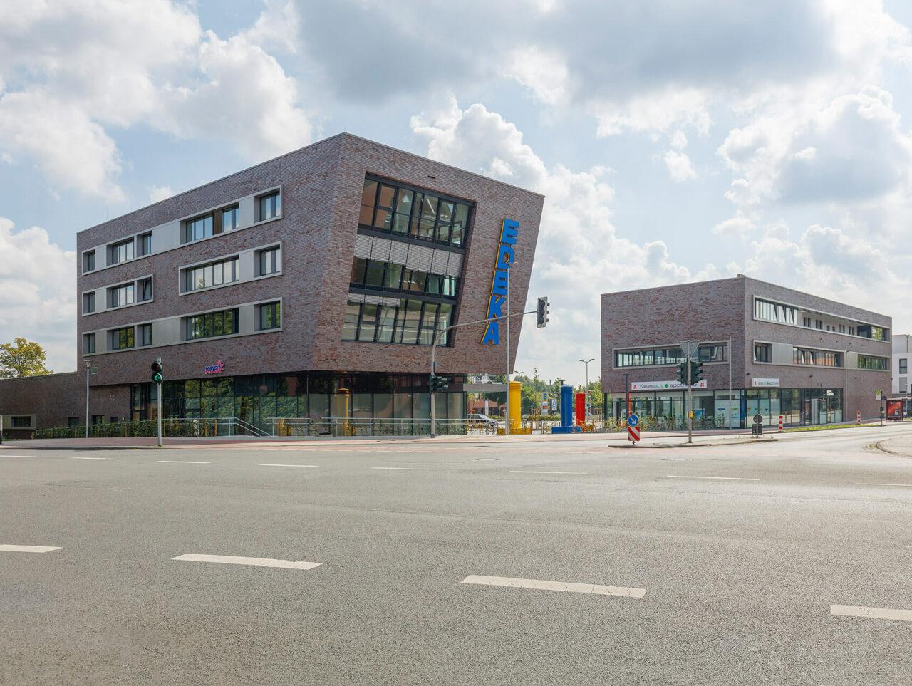 Zentrum Edeka Wohnen Münster Hiltrup Einzelhandel Strassenansicht